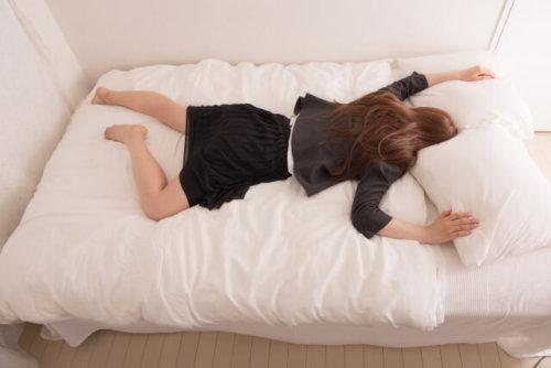 嫁 いびき 女性 うるさい 対策 眠れない